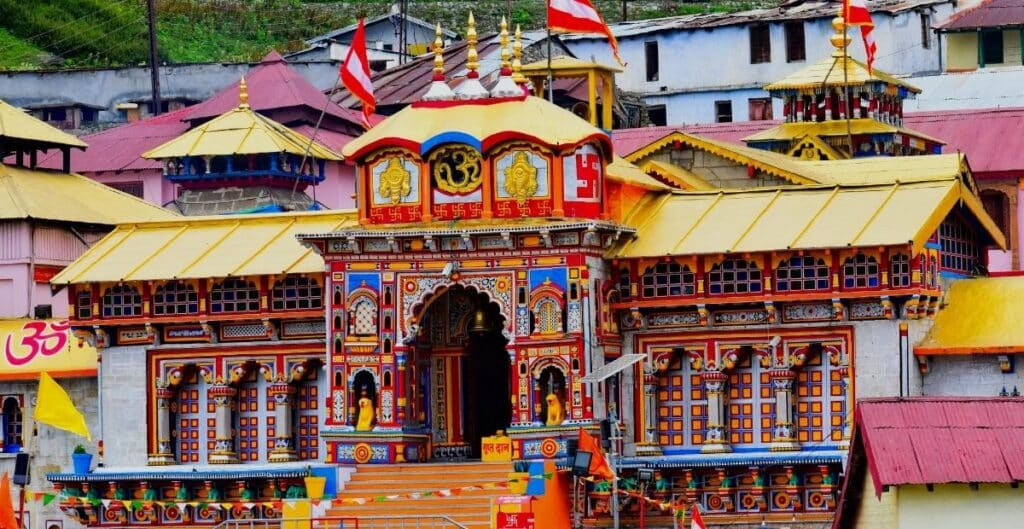 Badrinath Temple   10 Hindu Temple in India to visit in Hindi