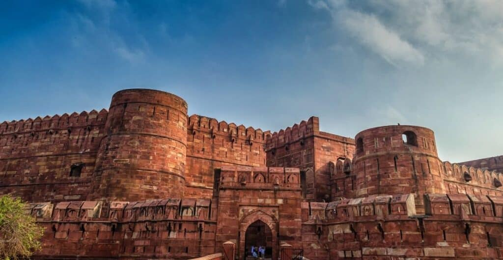 Agra fort / 10 Tourist Places of Medieval India